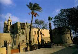 Fortaleza Babilonia, Iglesia